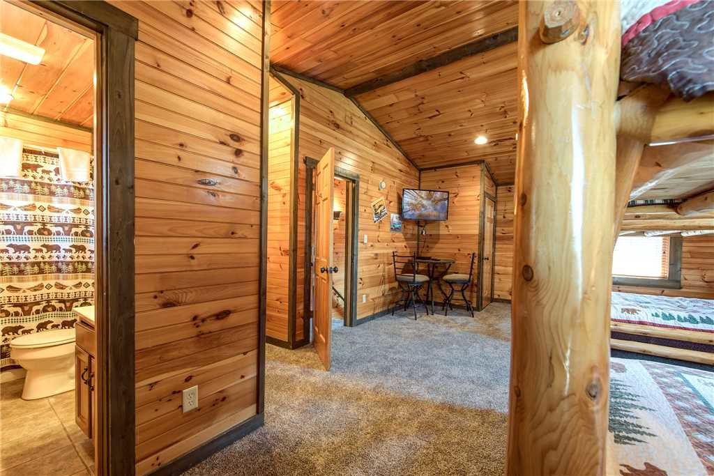 Photo of a Gatlinburg Cabin named Celebration Lodge - This is the twentieth photo in the set.