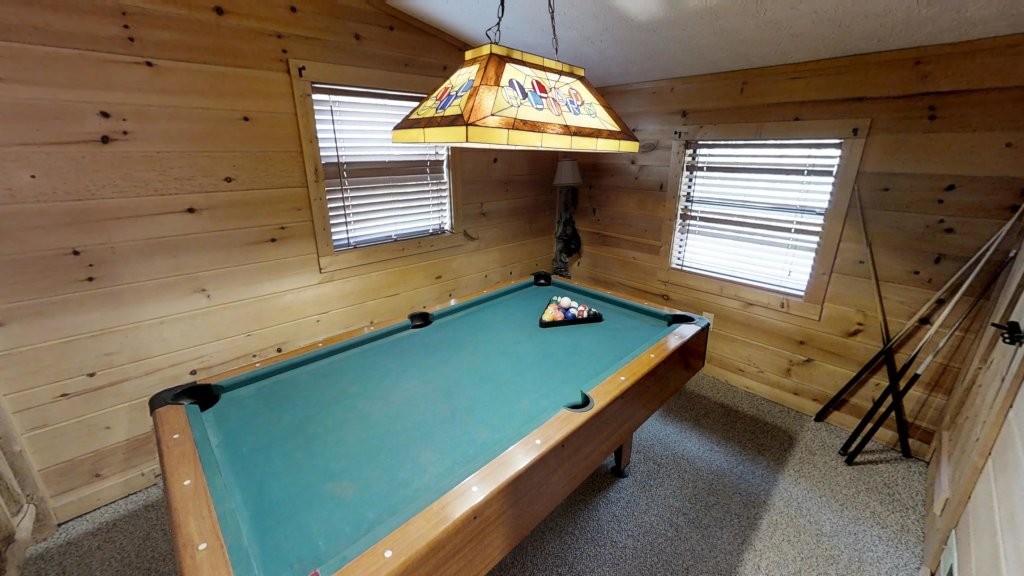 Photo of a Pigeon Forge Cabin named Grandpa Bear's View #233 - This is the fifteenth photo in the set.