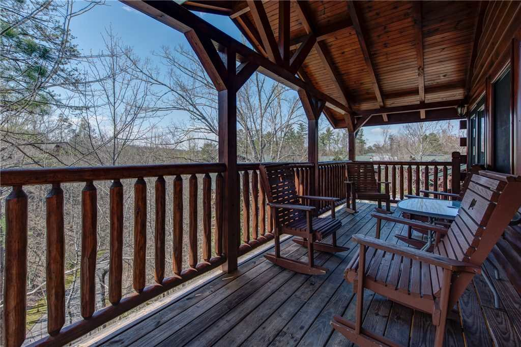 Photo of a Gatlinburg Cabin named Celebration Lodge - This is the twenty-fifth photo in the set.