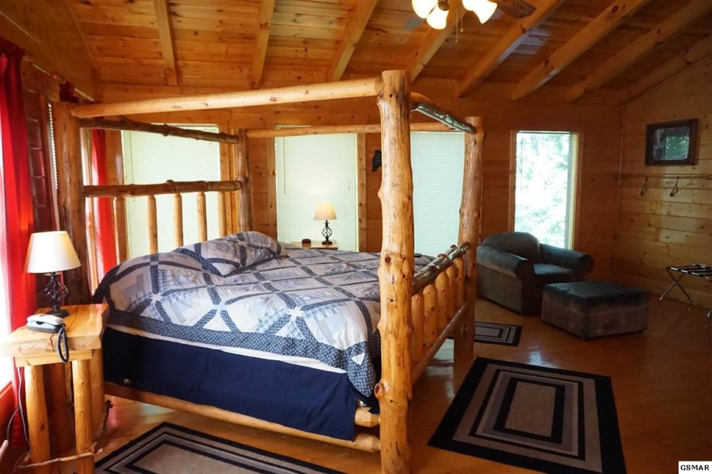 Photo of a Gatlinburg Cabin named Mountain Paradise - 295 - This is the fourth photo in the set.