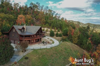 Private Smoky Mountain Lodge W/ Incredible Video Arcade/game Room/views!