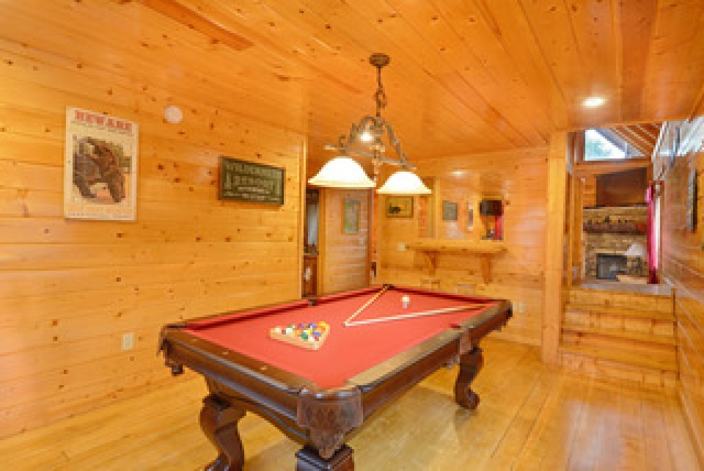 Photo of a Gatlinburg Cabin named Mountain Paradise - 295 - This is the twenty-third photo in the set.