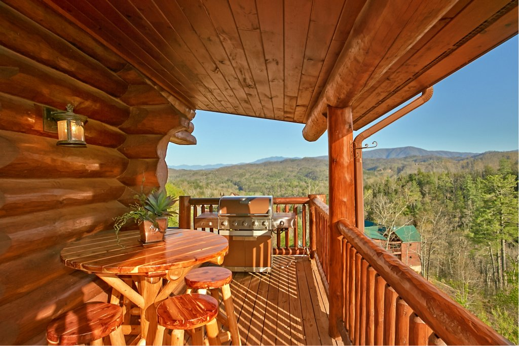 Photo of a Pigeon Forge Cabin named Mountaintop Paradise - This is the eighteenth photo in the set.