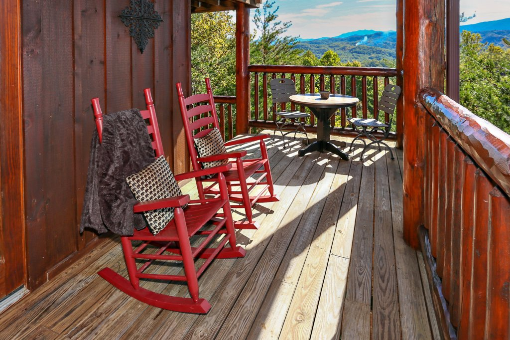Photo of a Pigeon Forge Cabin named Mountaintop Paradise - This is the fifty-first photo in the set.