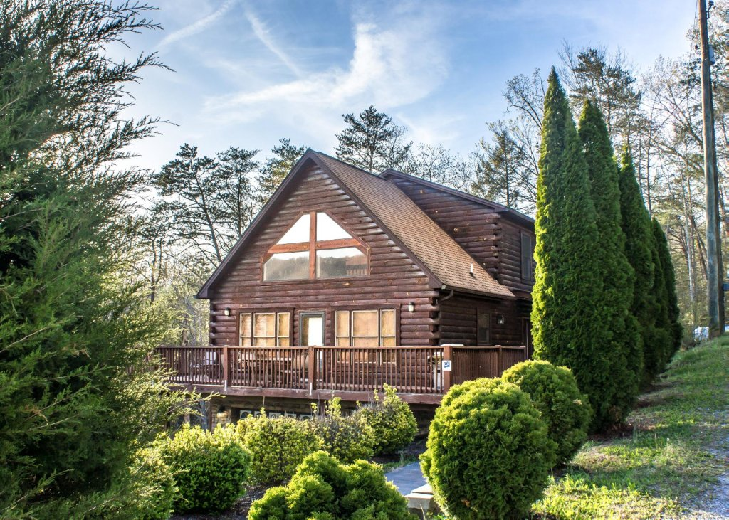 Photo of a Pigeon Forge Chalet named Birchwood Lodge - This is the first photo in the set.