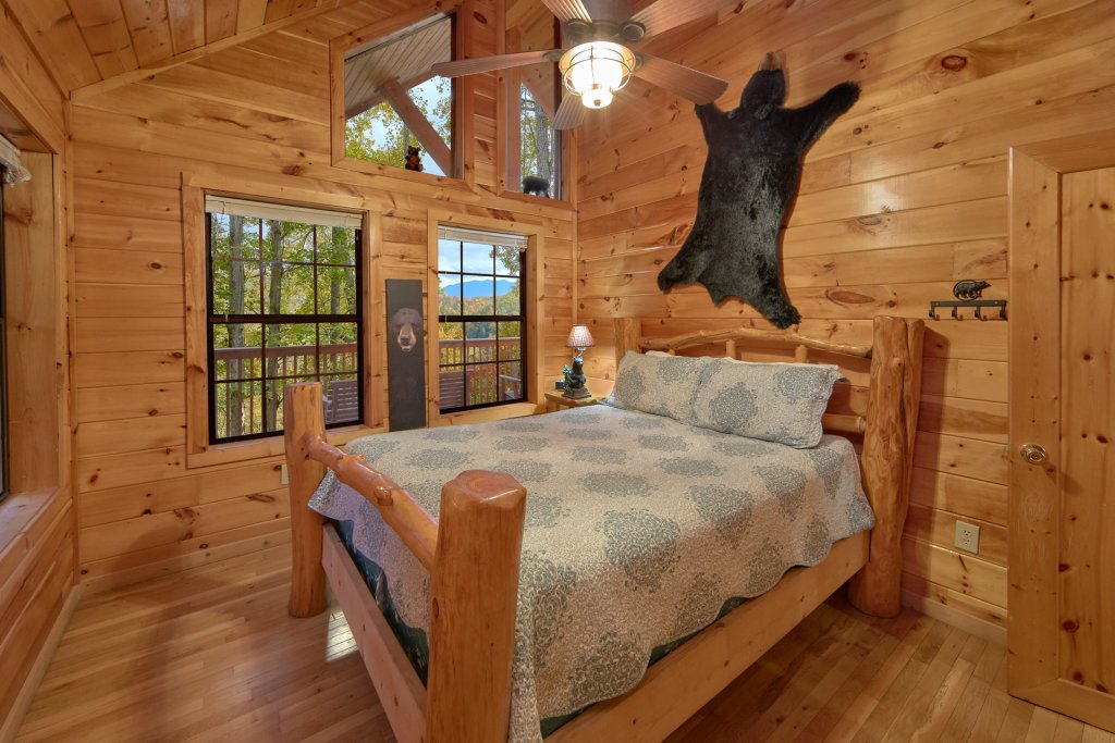 Photo of a Pigeon Forge Cabin named Tranquility Den - 210 - This is the twelfth photo in the set.