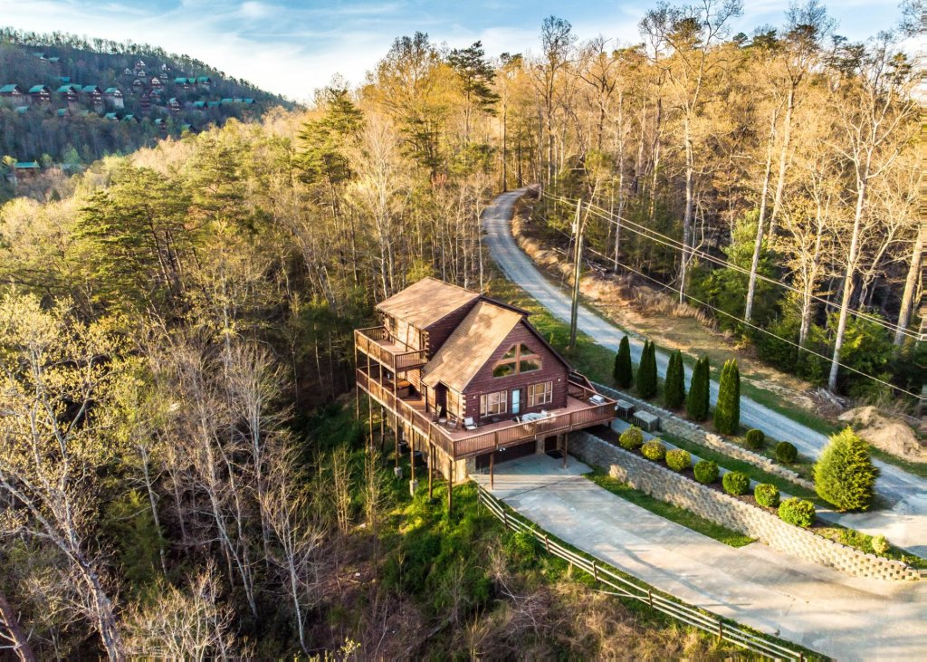 Photo of a Pigeon Forge Chalet named Birchwood Lodge - This is the twenty-first photo in the set.
