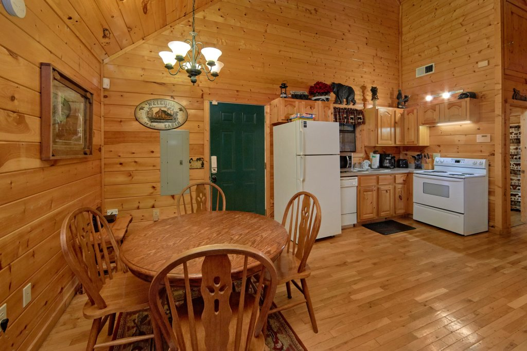 Photo of a Pigeon Forge Cabin named Tranquility Den - 210 - This is the eighteenth photo in the set.