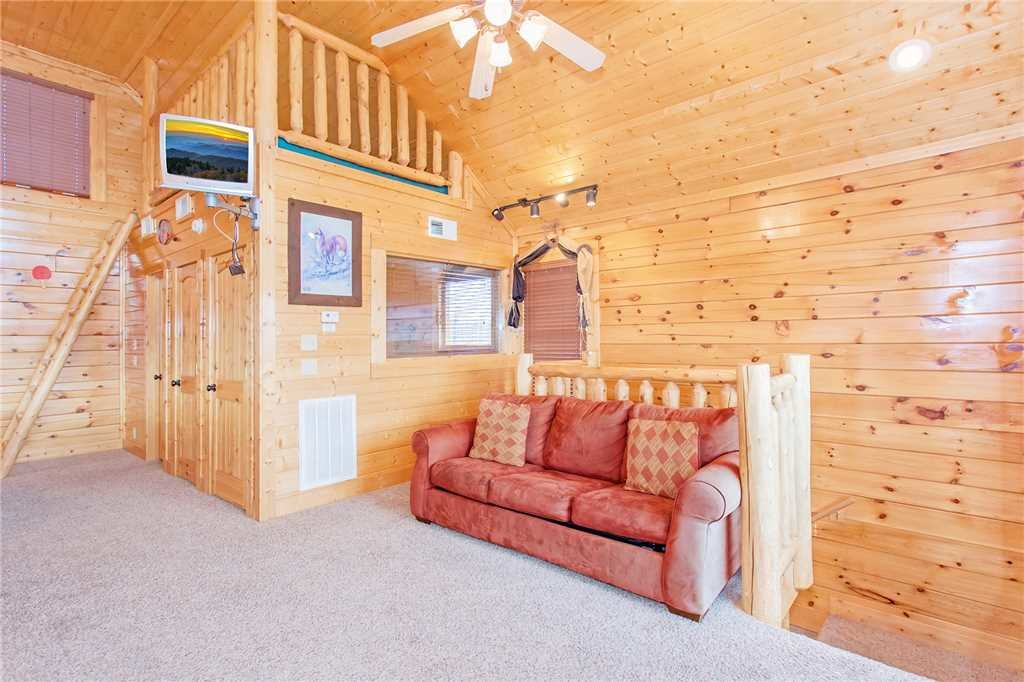 Photo of a Pigeon Forge Cabin named The Greenbrier 2936 - This is the tenth photo in the set.
