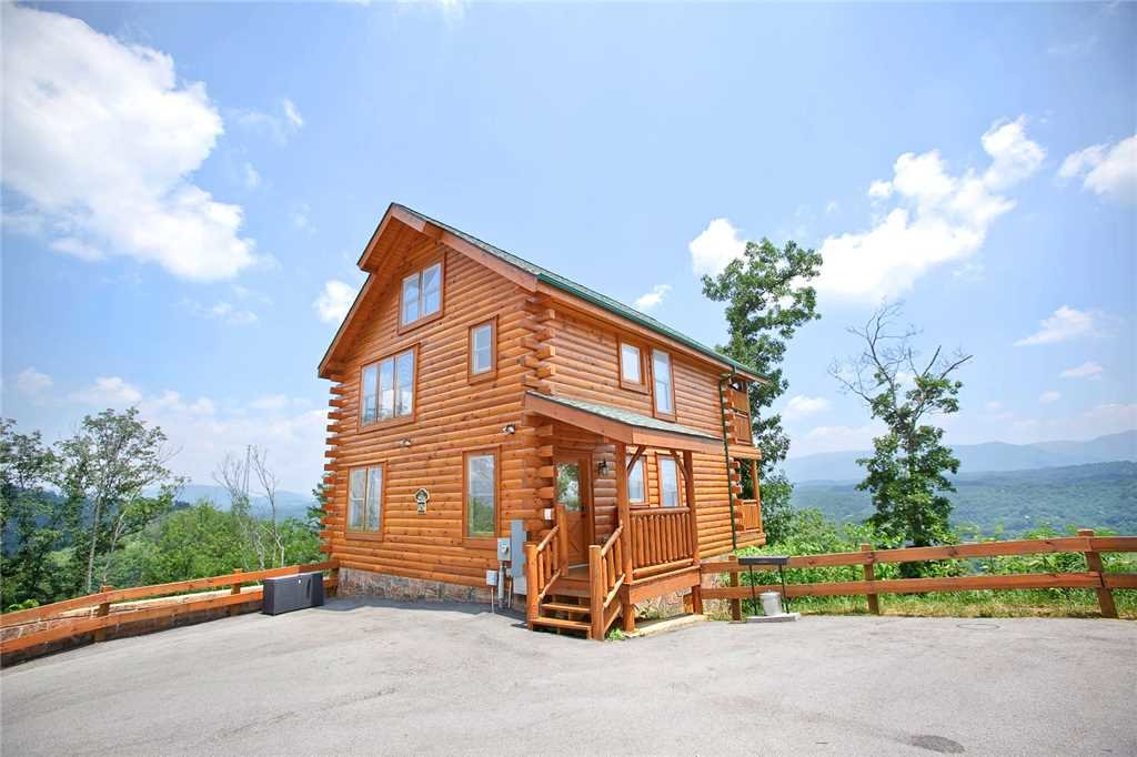 Photo of a Pigeon Forge Cabin named The Greenbrier 2936 - This is the first photo in the set.