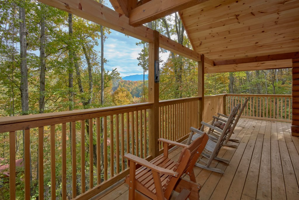 Photo of a Pigeon Forge Cabin named Tranquility Den - 210 - This is the twenty-fifth photo in the set.
