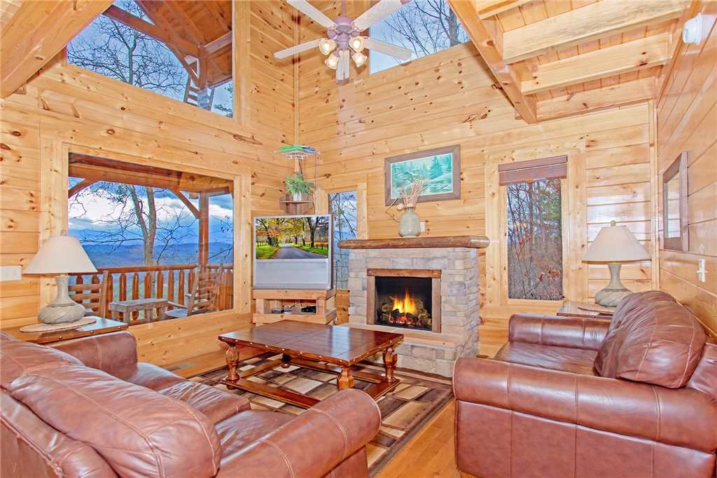 Photo of a Pigeon Forge Cabin named The Greenbrier 2936 - This is the third photo in the set.