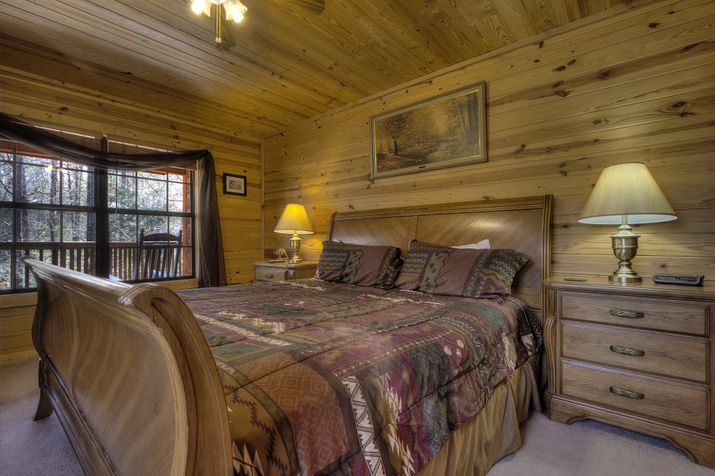 Photo of a Pigeon Forge Cabin named Always Delightful - 411 - This is the thirty-second photo in the set.
