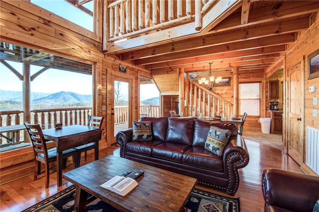 Photo of a Pigeon Forge Cabin named Bella Vista - This is the first photo in the set.