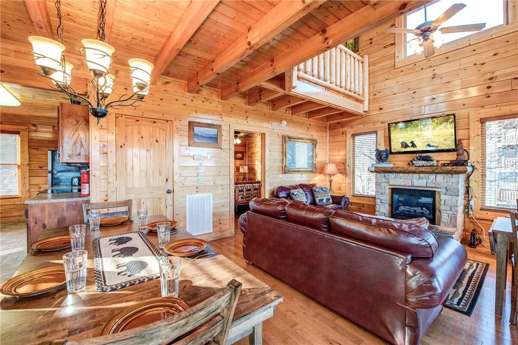 Photo of a Pigeon Forge Cabin named Bella Vista - This is the sixth photo in the set.