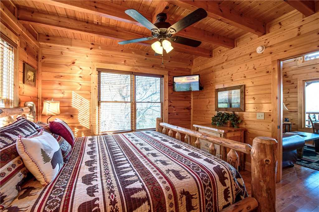 Photo of a Pigeon Forge Cabin named Bella Vista - This is the sixteenth photo in the set.