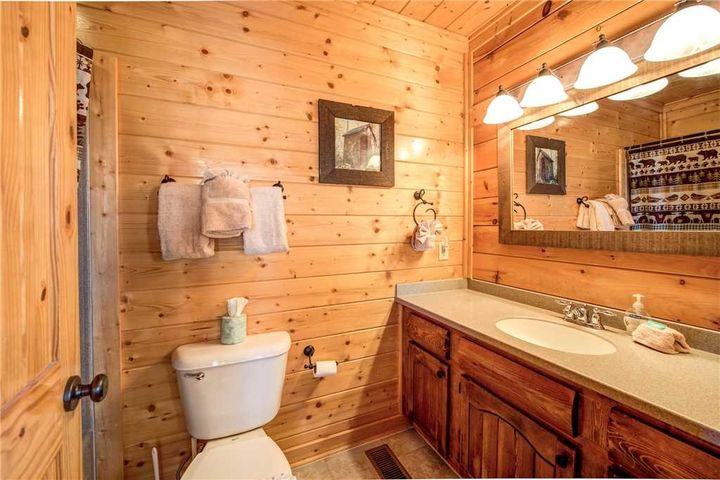 Photo of a Pigeon Forge Cabin named Bella Vista - This is the seventeenth photo in the set.