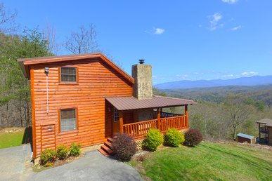 Pigeon Forge Cabin With Gorgeous Mountain Views Of Mt. Leconte!