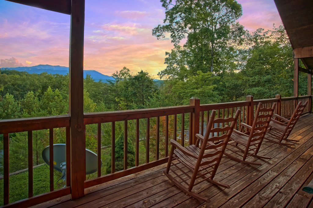 Photo of a Gatlinburg Cabin named Hawks Vue - This is the third photo in the set.