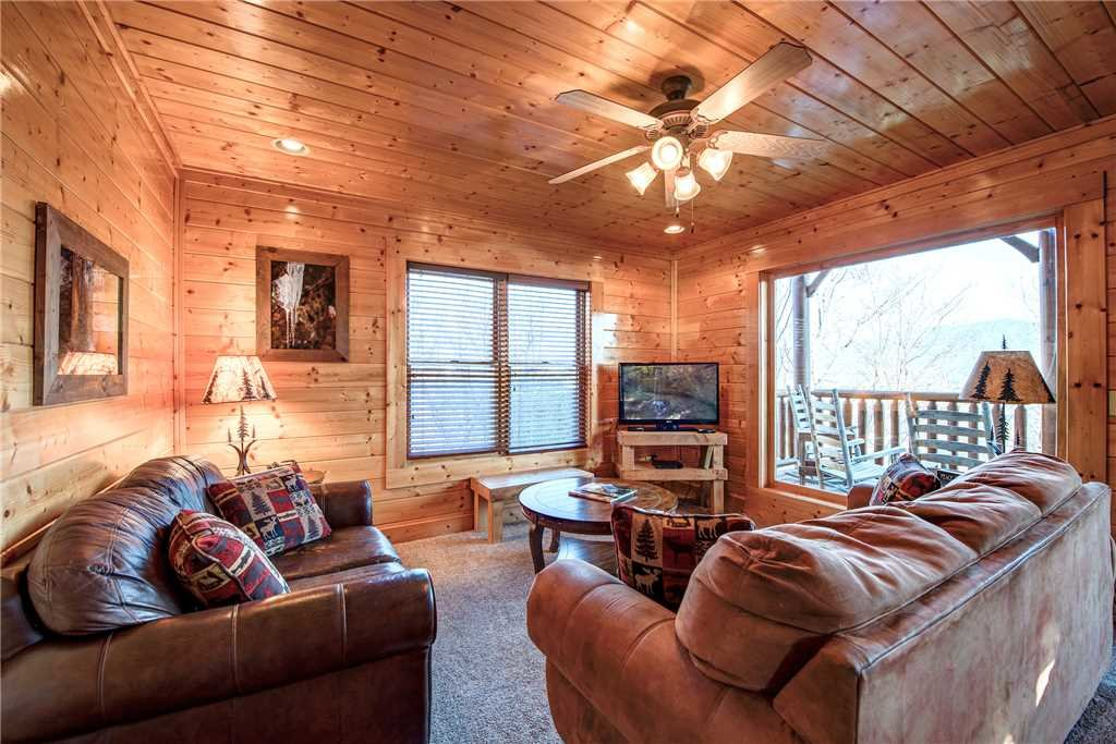 Photo of a Pigeon Forge Cabin named Bella Vista - This is the twelfth photo in the set.