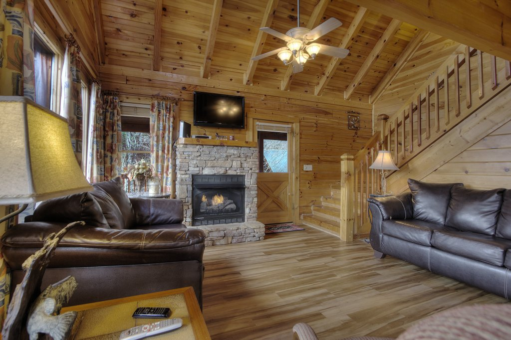 Photo of a Pigeon Forge Cabin named Blackberry Lodge - 402 - This is the tenth photo in the set.