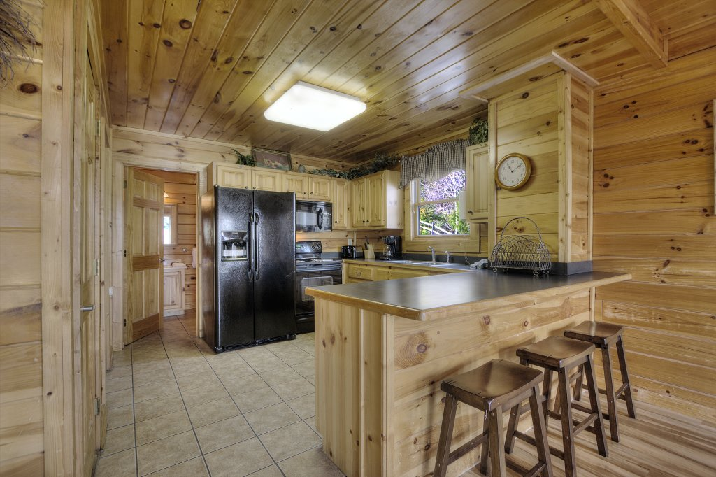 Photo of a Pigeon Forge Cabin named Blackberry Lodge - 402 - This is the twelfth photo in the set.