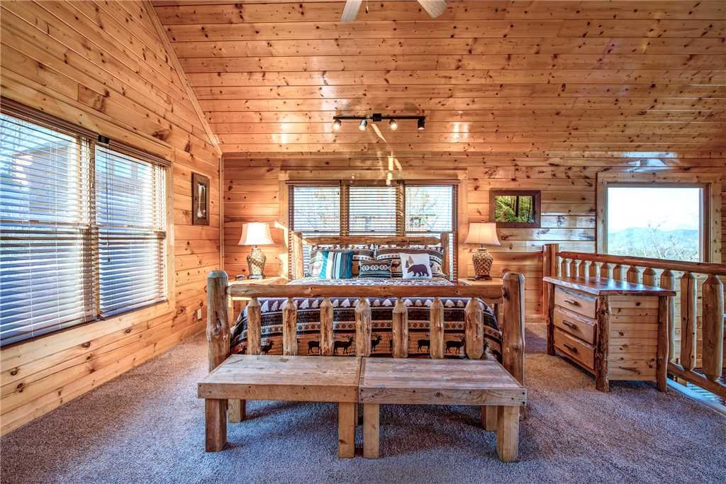 Photo of a Pigeon Forge Cabin named Bella Vista - This is the eighteenth photo in the set.