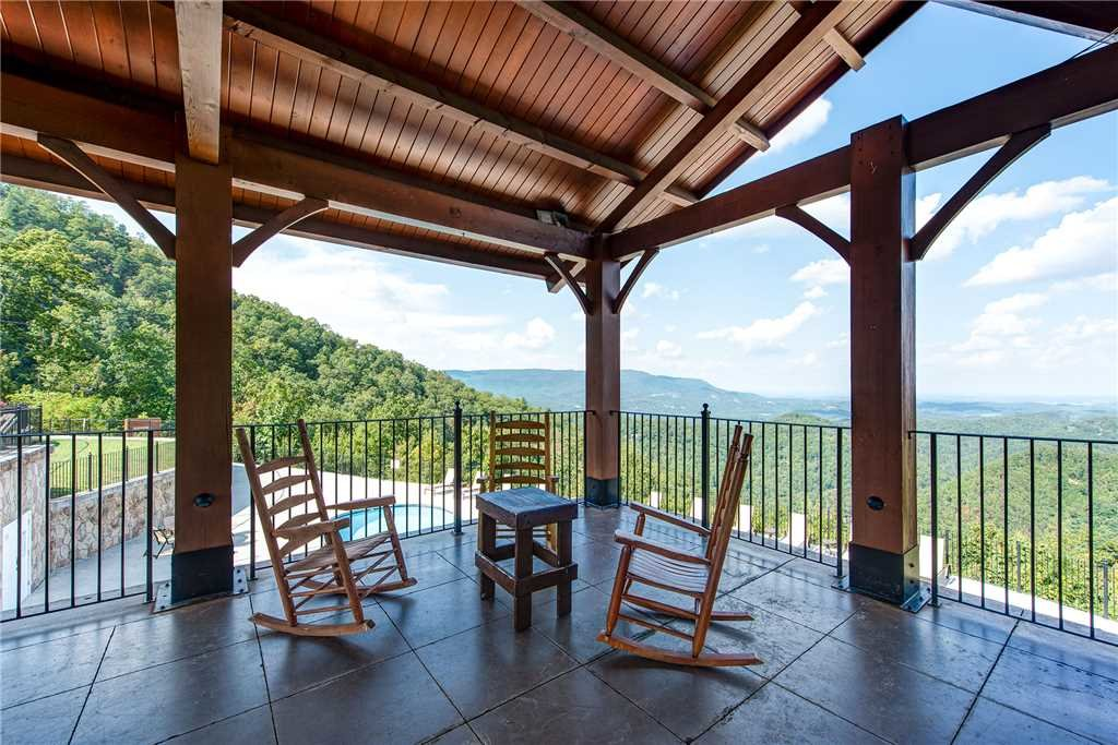 Photo of a Pigeon Forge Cabin named Bella Vista - This is the thirty-seventh photo in the set.