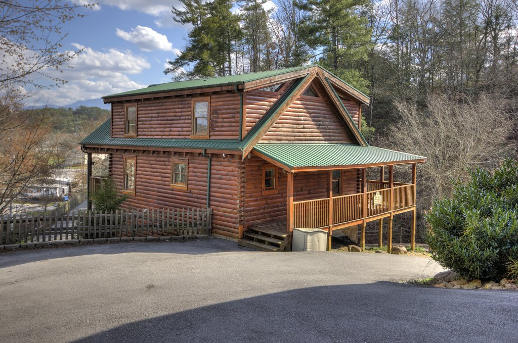 Photo of a Pigeon Forge Cabin named Blackberry Lodge - 402 - This is the eighth photo in the set.