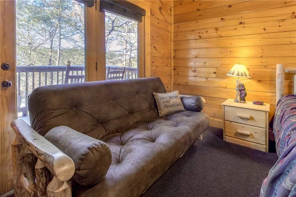Photo of a Pigeon Forge Cabin named Bear Mountain Lodge - This is the twentieth photo in the set.