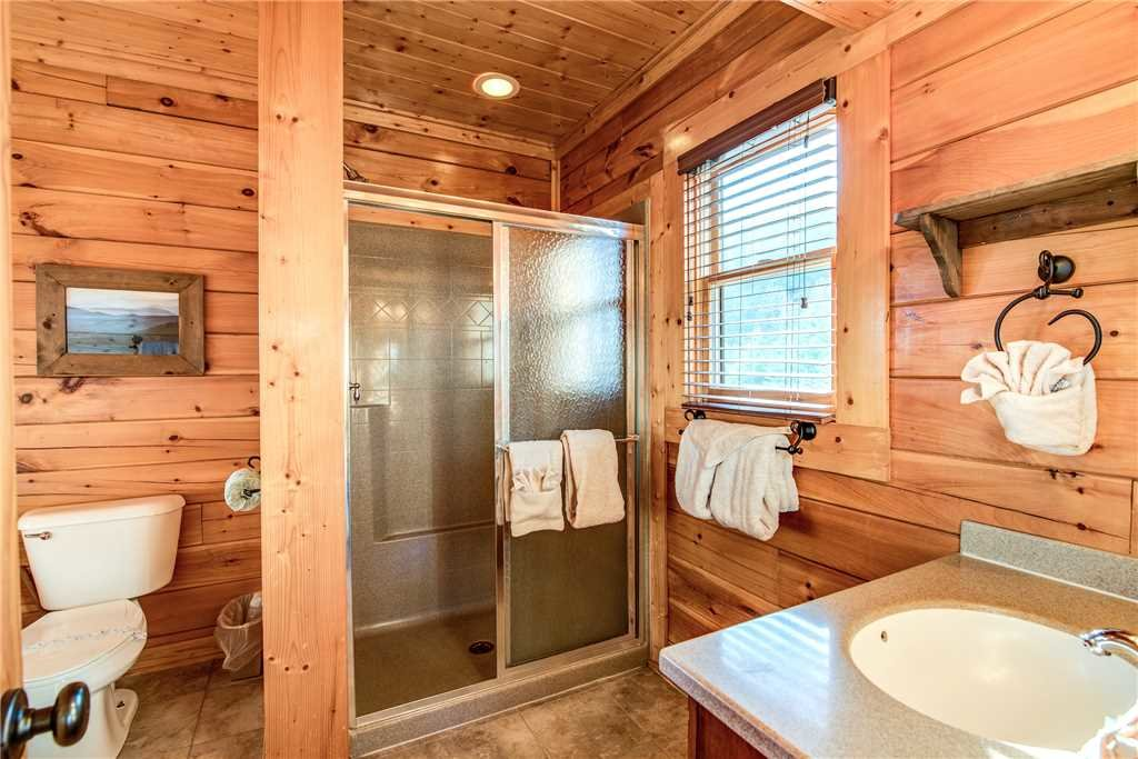 Photo of a Pigeon Forge Cabin named Bella Vista - This is the twenty-third photo in the set.