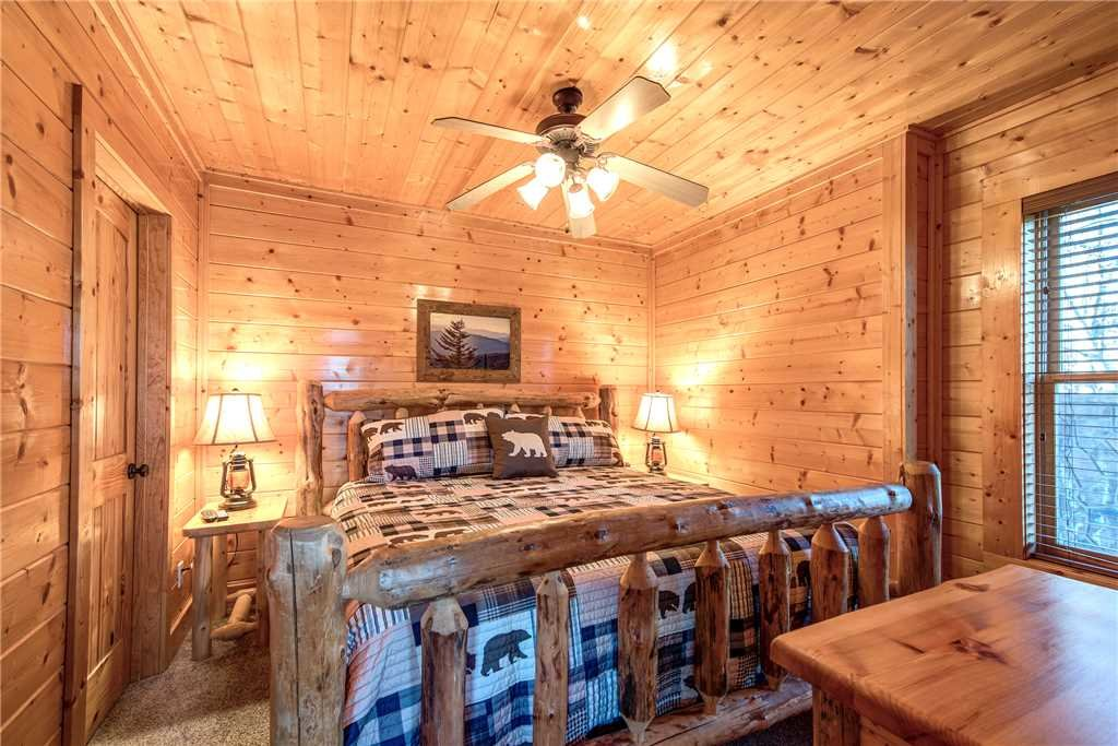 Photo of a Pigeon Forge Cabin named Bella Vista - This is the twenty-fourth photo in the set.