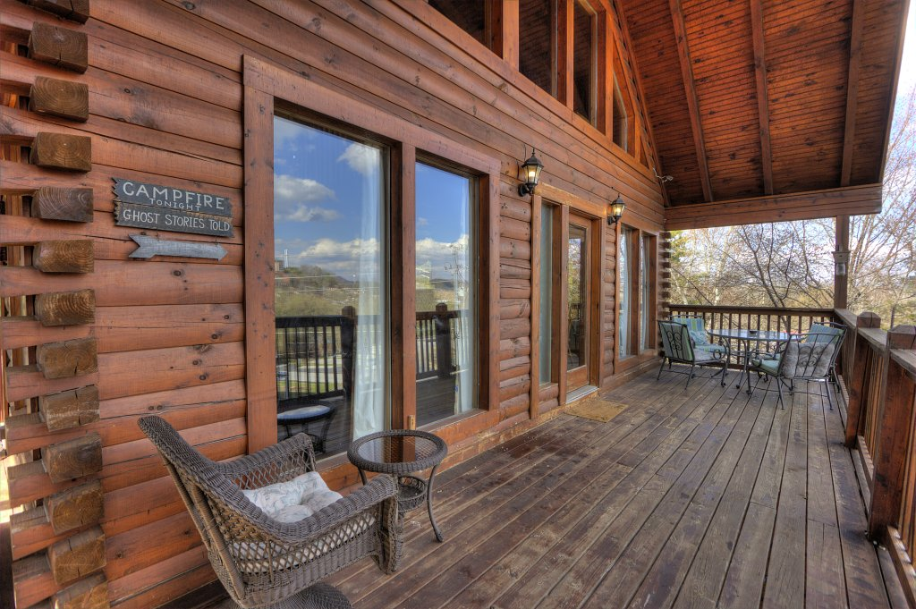 Photo of a Pigeon Forge Cabin named Blackberry Lodge - 402 - This is the eighteenth photo in the set.