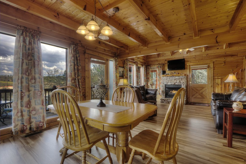 Photo of a Pigeon Forge Cabin named Blackberry Lodge - 402 - This is the twentieth photo in the set.