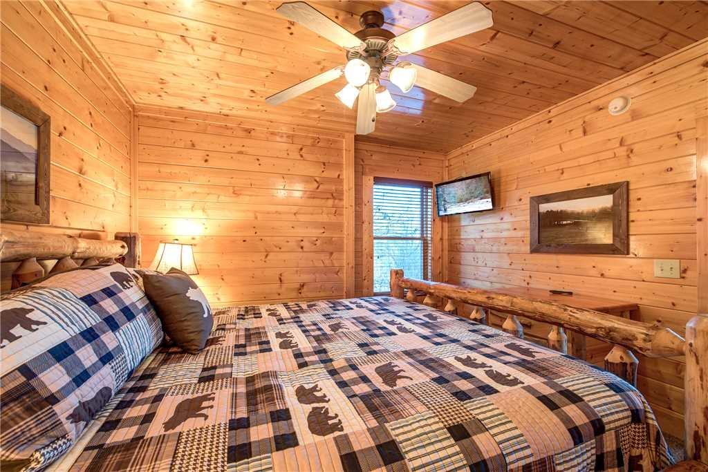 Photo of a Pigeon Forge Cabin named Bella Vista - This is the twenty-fifth photo in the set.