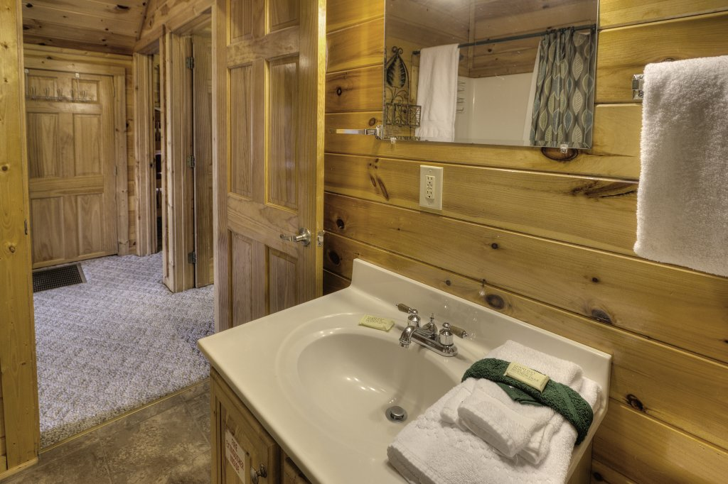 Photo of a Pigeon Forge Cabin named Blackberry Lodge - 402 - This is the fifteenth photo in the set.