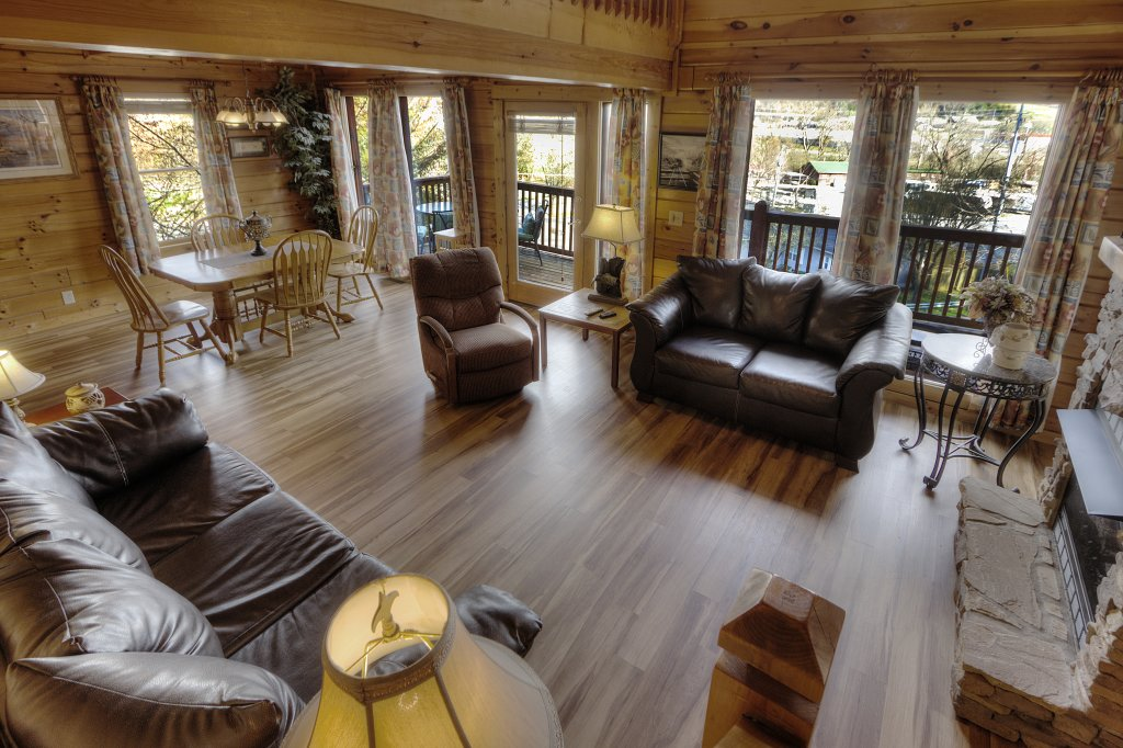 Photo of a Pigeon Forge Cabin named Blackberry Lodge - 402 - This is the thirty-ninth photo in the set.