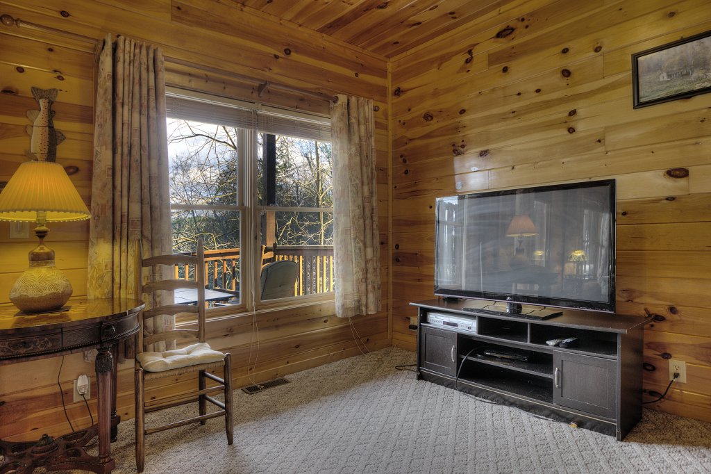 Photo of a Pigeon Forge Cabin named Blackberry Lodge - 402 - This is the forty-sixth photo in the set.