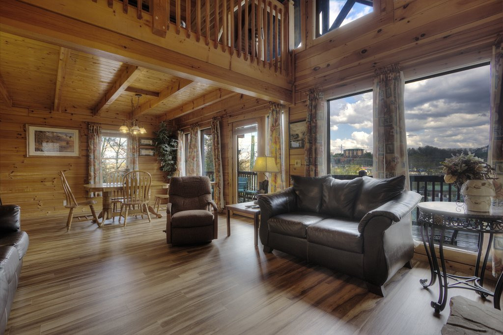 Photo of a Pigeon Forge Cabin named Blackberry Lodge - 402 - This is the forty-seventh photo in the set.