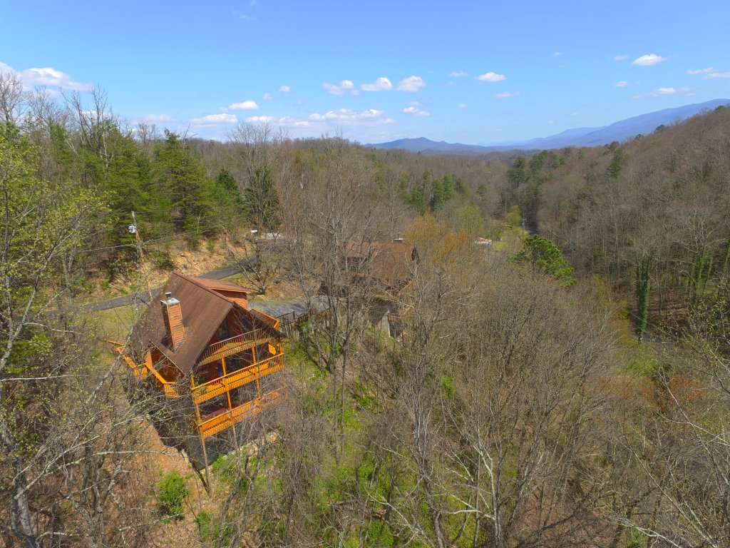 Photo of a Gatlinburg Cabin named Bear Run Getaway #1136 - This is the twenty-seventh photo in the set.