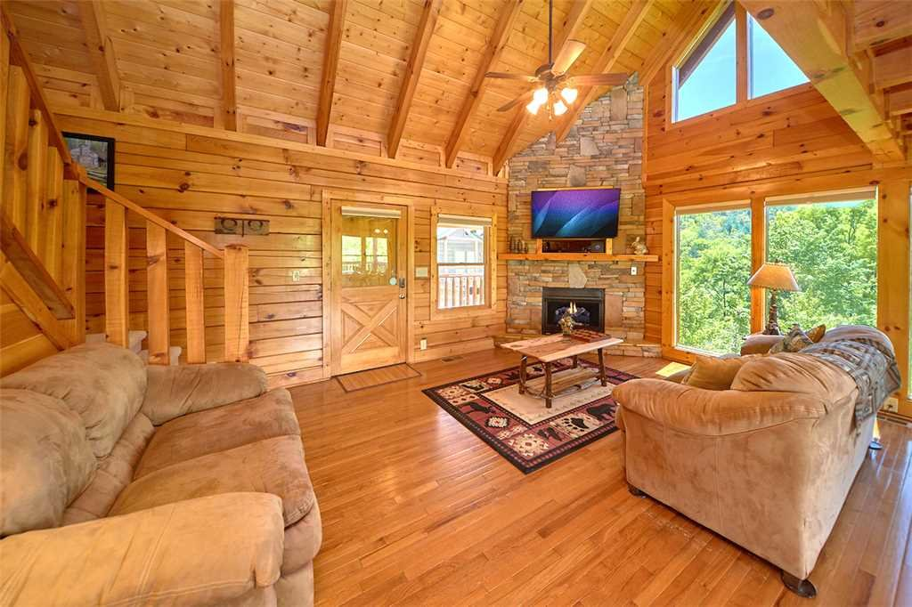 Photo of a Pigeon Forge Cabin named Lookout Ridge - This is the fourth photo in the set.