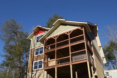 Above It All A 4 Bedroom Cabin Located In Gatlinburg, Tn.