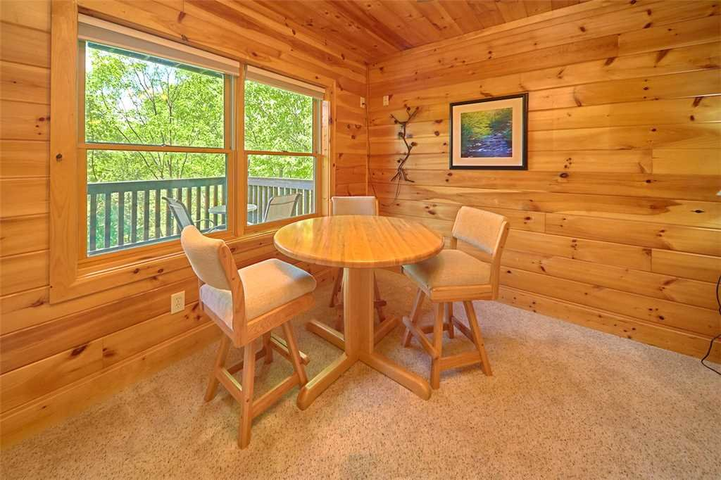 Photo of a Pigeon Forge Cabin named Lookout Ridge - This is the ninth photo in the set.