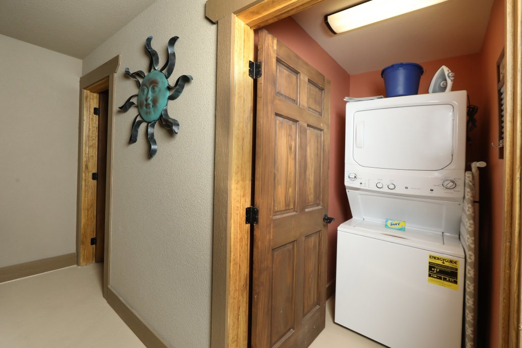 Photo of a Gatlinburg Cabin named Marco Polo - This is the forty-second photo in the set.