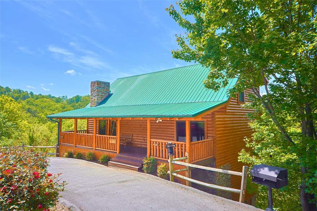 Photo of a Pigeon Forge Cabin named Lookout Ridge - This is the twenty-third photo in the set.