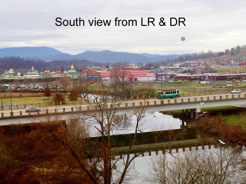 Photo of a Pigeon Forge Condo named River Crossing 501 - This is the sixteenth photo in the set.
