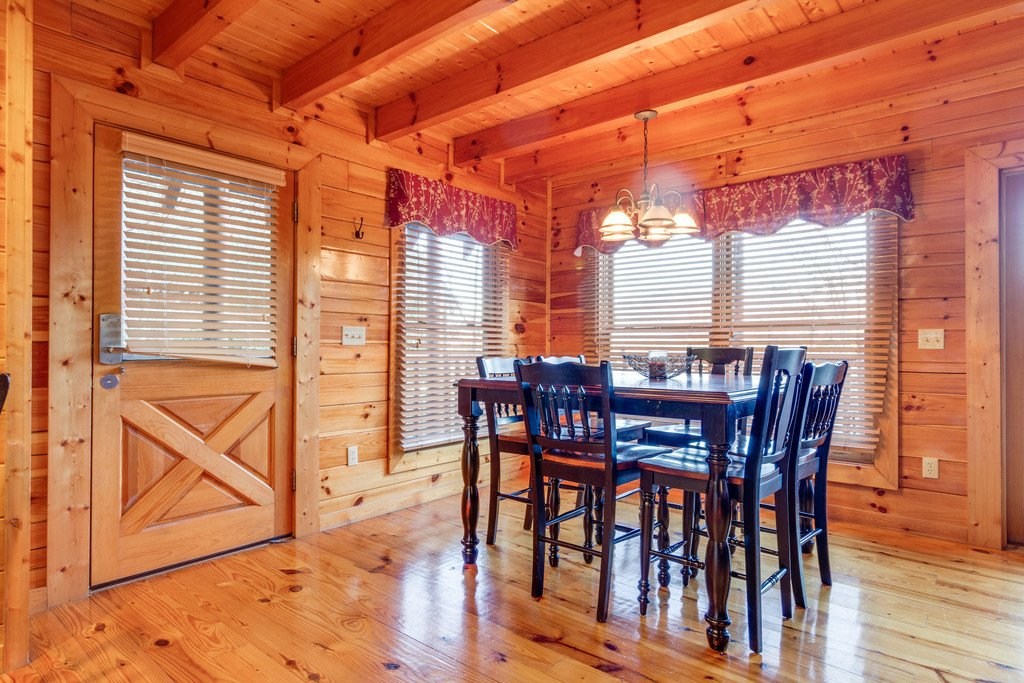 Photo of a Pigeon Forge Cabin named Shaconage Rest - This is the tenth photo in the set.