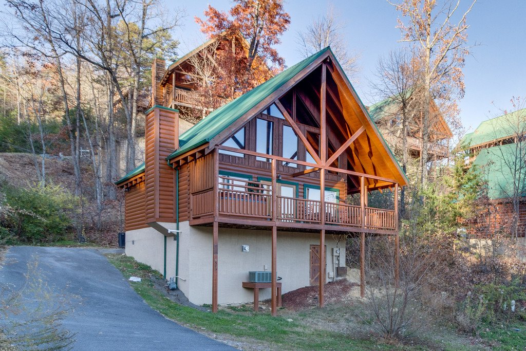 Photo of a Pigeon Forge Cabin named Shaconage Rest - This is the thirty-first photo in the set.