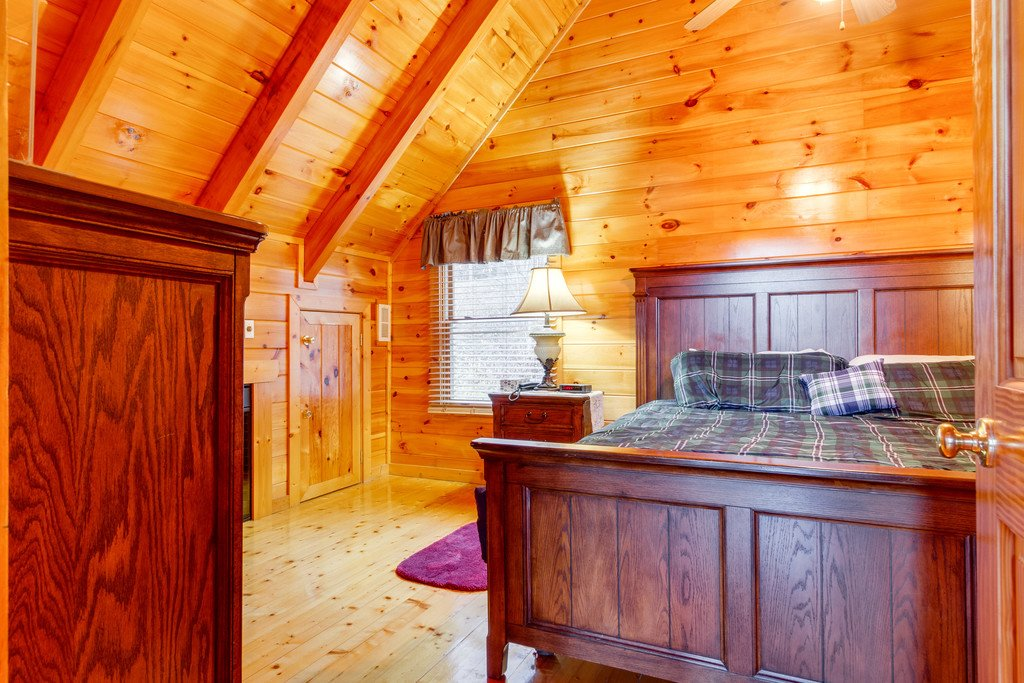 Photo of a Pigeon Forge Cabin named Shaconage Rest - This is the twenty-first photo in the set.