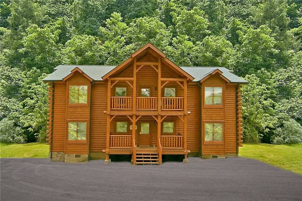 Photo of a Gatlinburg Cabin named Rushing Water Lodge - This is the second photo in the set.